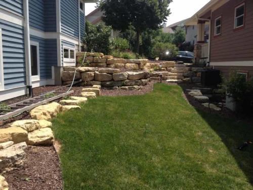 OutdoorArtsLandscape middletonhillsflagstone plantingswalls 002