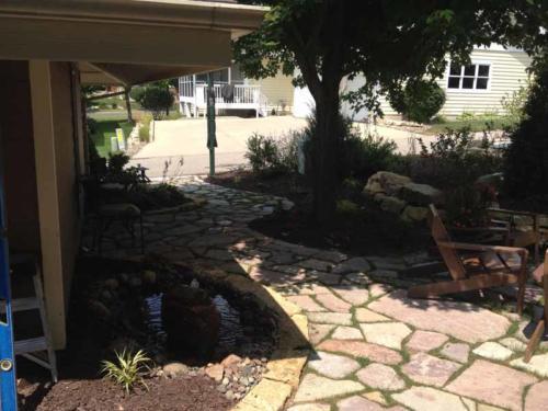 OutdoorArtsLandscape middletonhillsflagstone plantingswalls 004