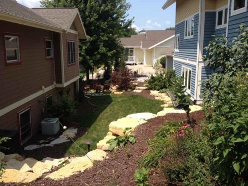 OutdoorArtsLandscape middletonhillsflagstone plantingswalls 017