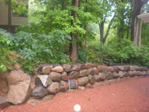 OutdoorArtsLandscape GililandNatStone wallsflagstonepatios 001