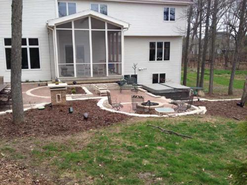 OutdoorArtsLandscape walshpatio pillarsstonewallsoutdoorliving 005