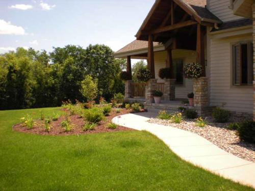 PLANTINGS & BEDS