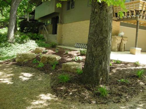 OutdoorArtsLandscape shorewood plantingsandbeds 001