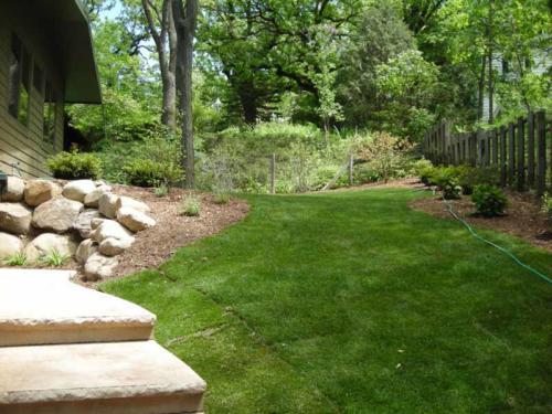 OutdoorArtsLandscape shorewood plantingsandbeds 005